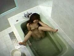 お風呂の中でオナニー