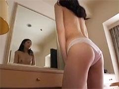 鏡の前でオナニー